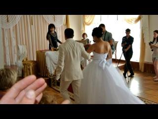 «наша свадьба 22.06.2013!» под музыку Невеста читает рэп на свадьбу(текст Sayman) - Мы вместе. Picrolla